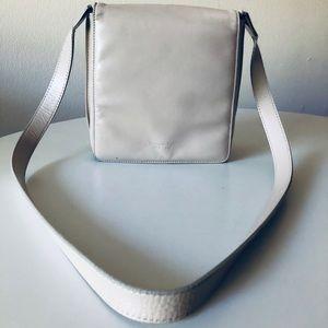 SOLD ✨Kenneth Cole Leather Crossbody bag - Cream